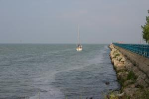 1_caseville_breakwall